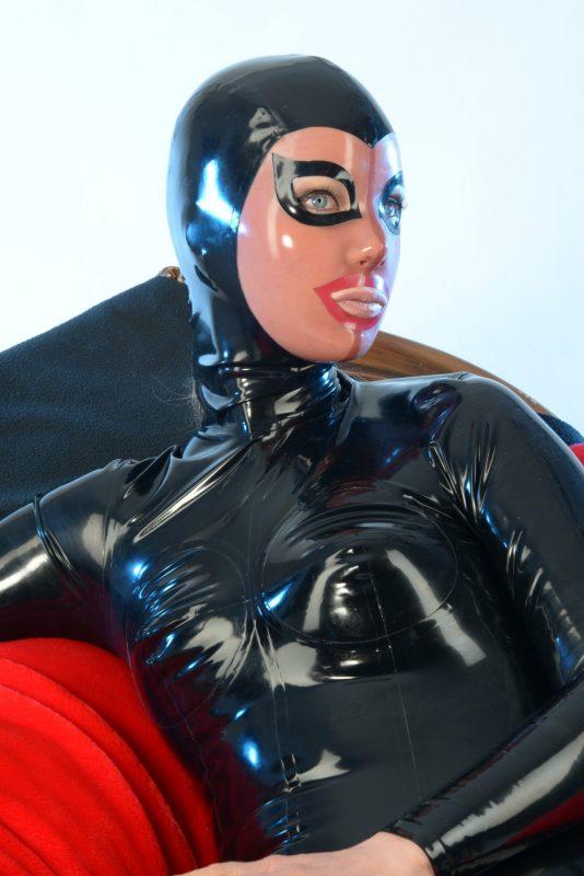 Latex Incognito Masker